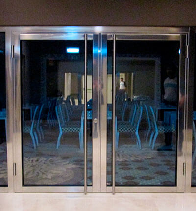 Puertas, Compuertas y Vidrios Cortafuego